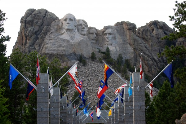 Flag Mt Rushmore 1